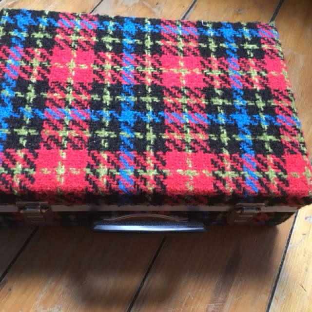 Plaid carrying case - 1970's