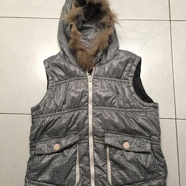 Plaid Winter bubble vest with hood