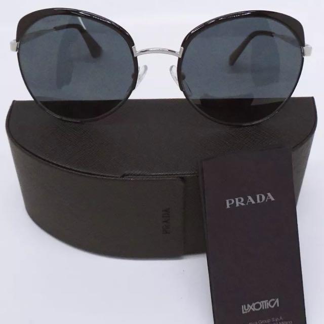 Practically new Prada sunglasses with case AUTHENTIC