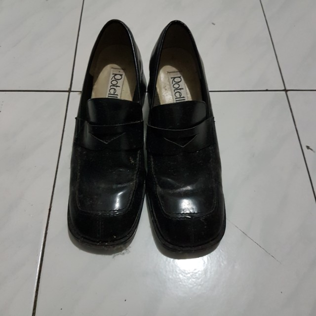 Preloved Shoes by Rotteli
