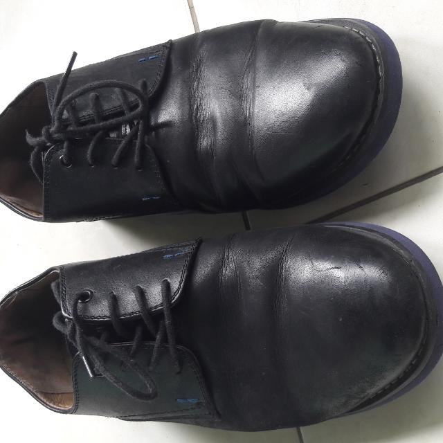 ... Slip On Black. Source · Sepatu Hush Puppies, Preloved Fesyen Pria .