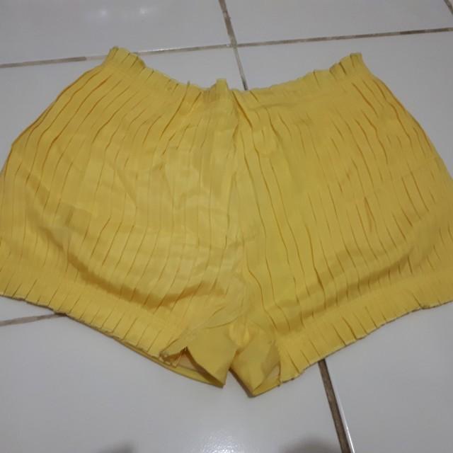 Short pants gaudi