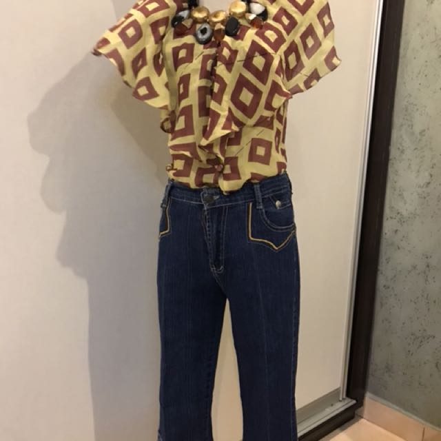 Silk top with 3/4 length jean