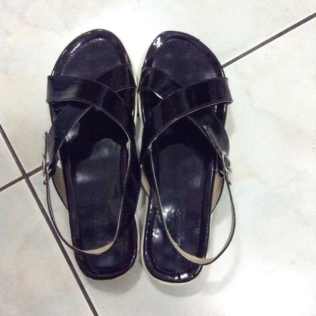 Slop (sepatu sendal)