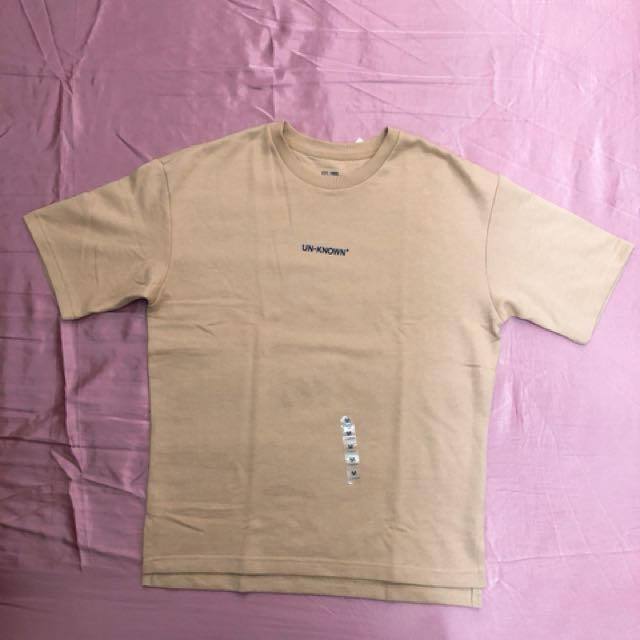 SPAO男生M號奶茶黃字母短袖T恤