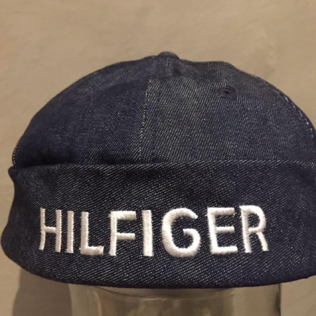 Tommy Hilfiger hat one size fit all