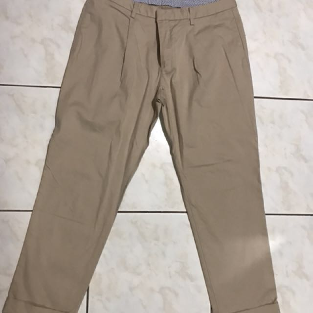 Uniqlo Pants size 28