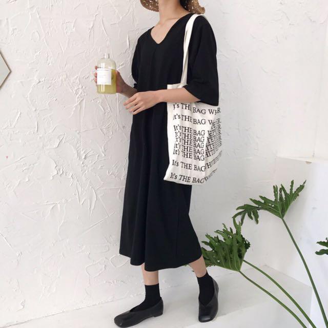 黑色V領寬鬆洋裝