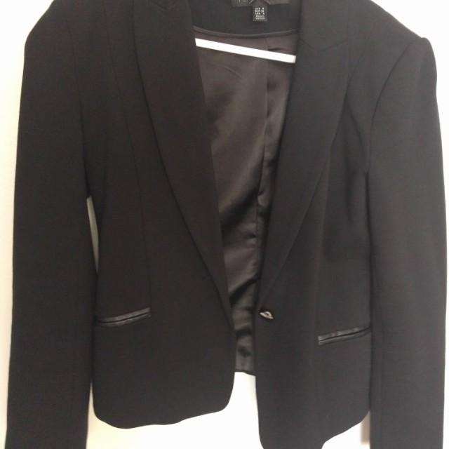 Women's size small forever new black blazer