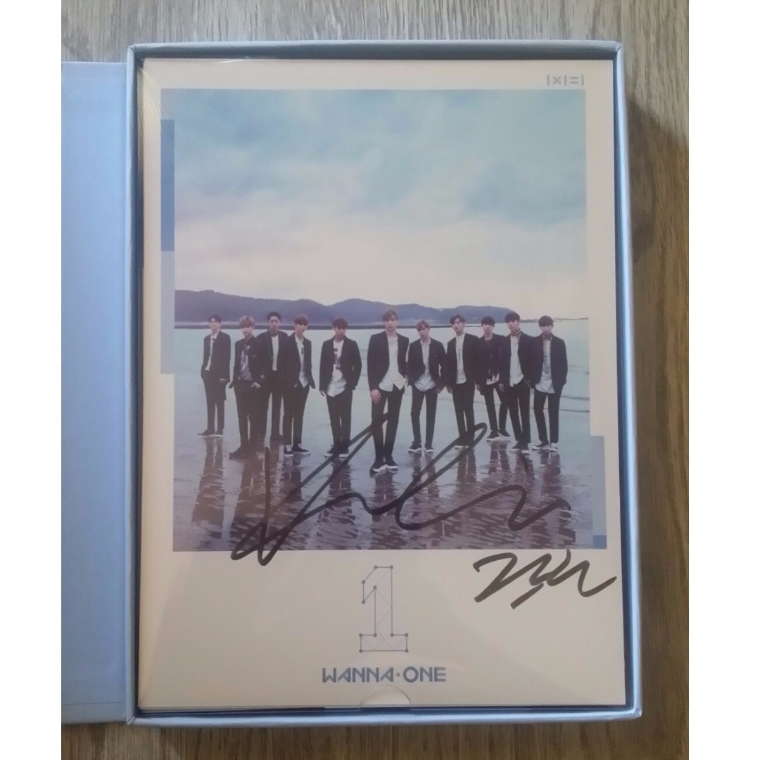 [WTT] WANNA ONE 1X1 = 1 TO BE ONE GUANLIN SIGNED ALBUM