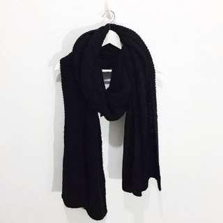 歐美人最愛 ZARA針織毛線寬版頸部黑色圍巾