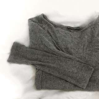BRANDY MELVILLE cozy grey long sleeve