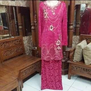 Sepasang batik pink , bisa untuk kondangan bahan  melar