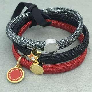 Marc Jacobs Sample Bangle Hair Band Bracelet 金色配紅色黑色星星閃石橡筋組合 可作手帶手鏈