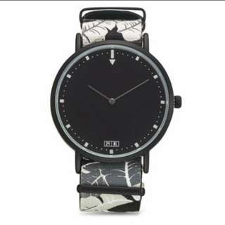 Last piece foilage print nato strap watch new authentic