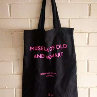 tote bag MONA/museum of old and new art T