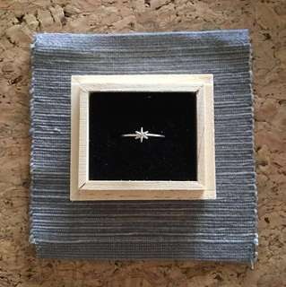 Sarah and Sebastian star ring size M