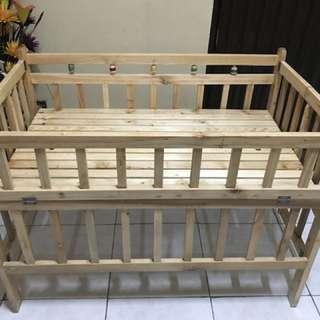Wooden crib Palochina