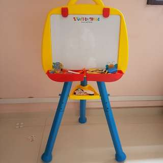 Easle drawing magnetic white board