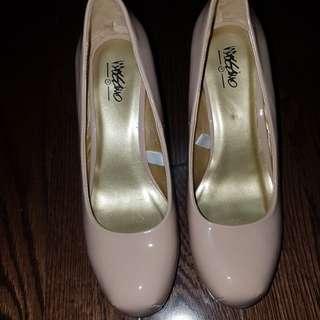 Nude 3' heels