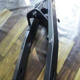 Arm original 125zr untuk dijual..condition 10/10 baru pakai 2bln..berminat boleh pm 0164805377
