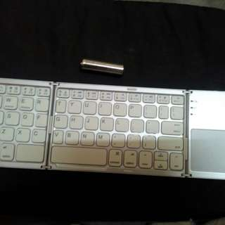 Bluetooth Keyboard n touch pad ( mouse) small