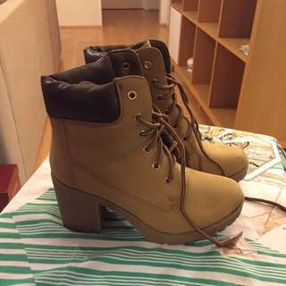 US Size6 (EUR37) Brown High Heeled Timberland Style Boots