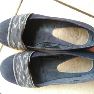 Sepatu Opie  uk. 38