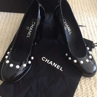 Chanel Pearl Pumps Heels