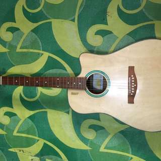 Antonio Lumanog Guitar