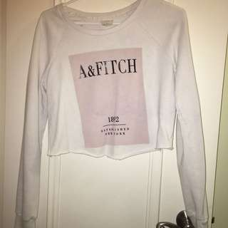 Abercombie & Fitch Crop White Sweater