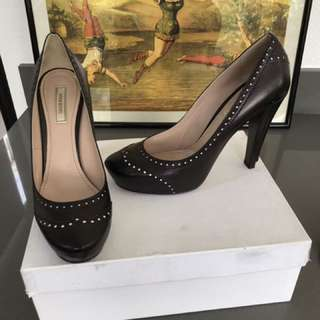 Authentic Nina Richi shoes. Size 38.5. Perfect condition-worn once.