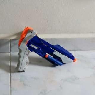 Almost new nerf slingshot gun