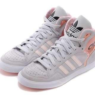 🚚 Adidas高筒鞋