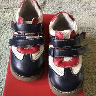 Fisher Price Shoes Size 7