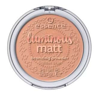 essence  Luminous Matt (lighter Skin)