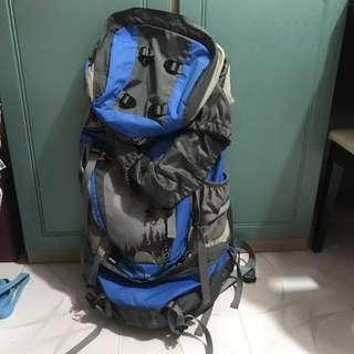 70+10L露營背包