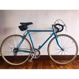 Price drop - steel vintage retro Falcon road bike from 1983 Britain