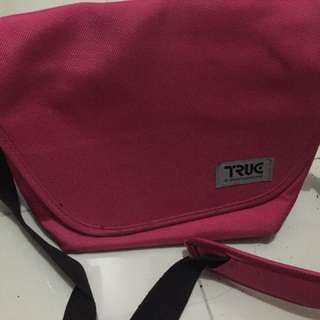 Truc Messenger bag