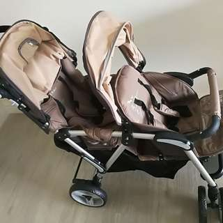 Model 4029T Twin stroller