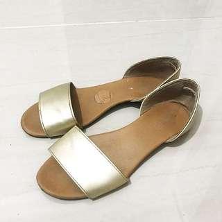 Rubi Sepatu Sendal