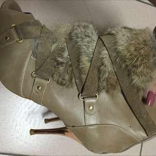 🚚 Tas 24.5版正常兔毛魚口高跟鞋專櫃高質感原價4680便宜出清 沒穿出去過但保存時間有一陣子了無盒超漂亮但我沒在穿高跟鞋