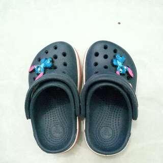 sandal crocs anak