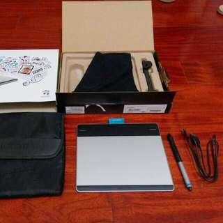 🚚 Wacom pen&touch small 繪圖板 CTH-480#手滑買太多