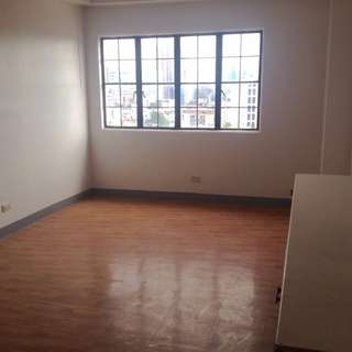 3 Bedroom 3 T&B with Maids room in Mandaluyong Near EDSA and Makati