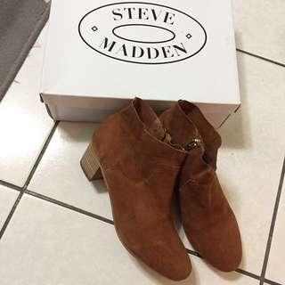 美國【STEVE MADDEN】咖啡色麂皮踝靴