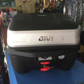 Givi box 32l