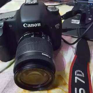 Urgent sell Canon EOS 7D with 18-55 kit lens