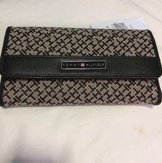 Tommy Hilfiger Wallet- NEW!
