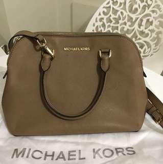 For sale Michael Kors Sling bag